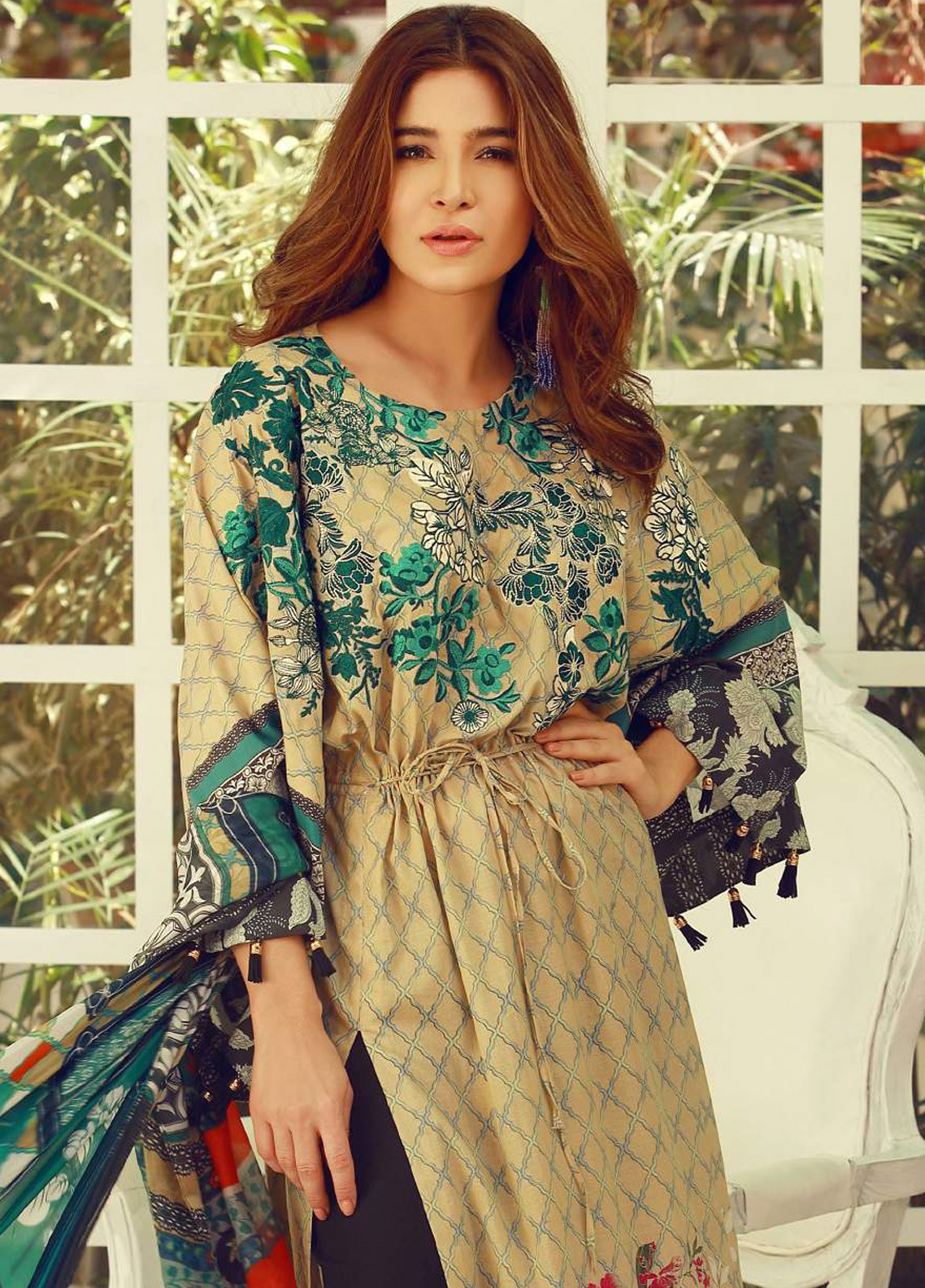 ae5cd3582d Rouche Embroidered Lawn Unstitched 3 Piece Suit Rch18l 06 Spring ...