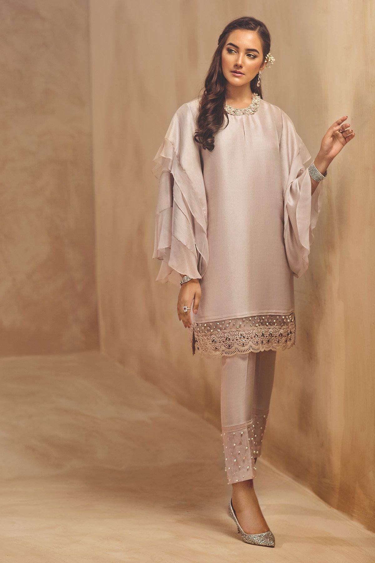 /2019/05/ammara-khan-eid-collection-19-rtw-sf-1955-p-image2.jpeg