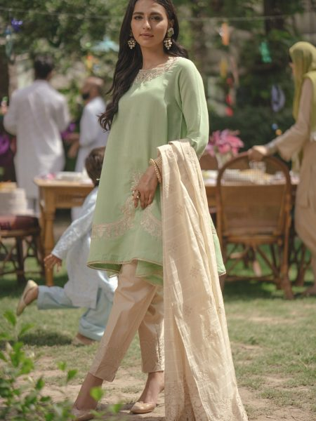 Ethnic by Outfitters Choti Eid Boutique suit (Shirt + Dupatta) WTB291661-10203328-EH-125