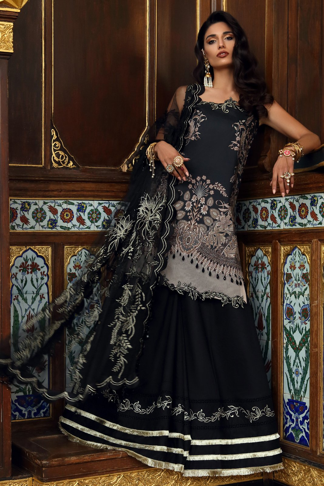 /2019/05/ethnic-by-outfitters-elif-eid-collection-nightingale-uh-23-image1.jpeg