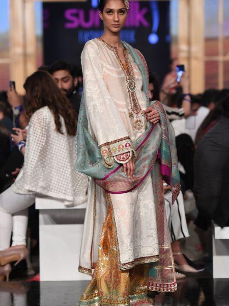 Sania Maskatiya Khadi silk embroidered straight shirt IS-19-14