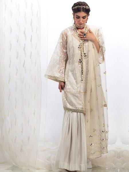 Farah Talib Aziz Ivory sheesha on chickenkari shirt