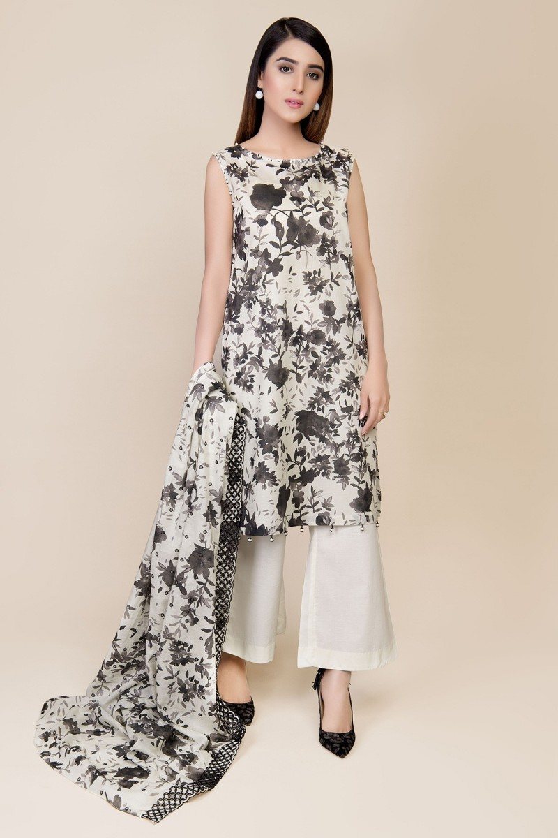 /2019/07/kayseria-summer-19-digital-printed-embroidered-suit-c-3312-image1.jpeg