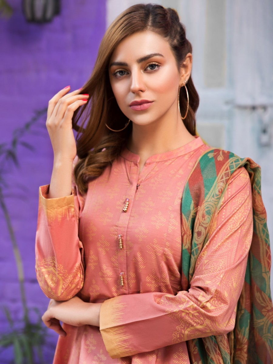/2019/07/limelight-eid-edition-2-pc-lawn-suit-u0630-2pc-pch-image2.jpeg