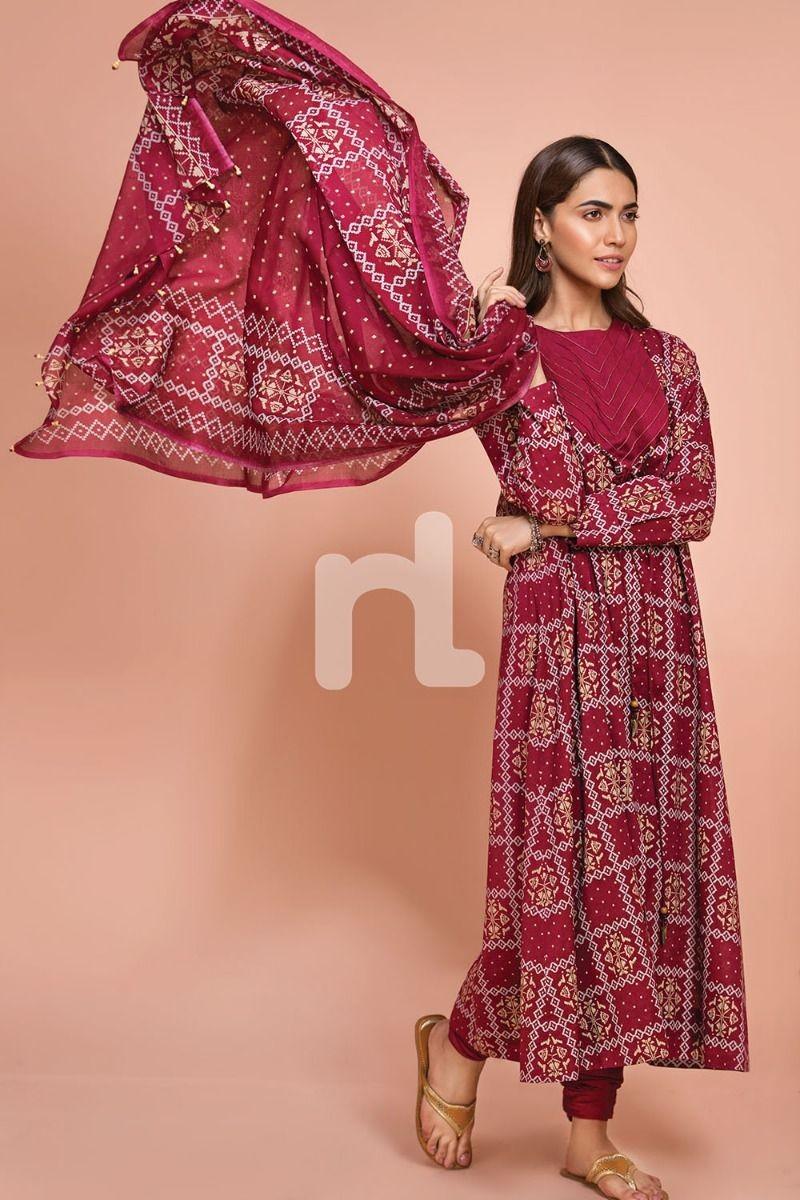 /2019/07/nishat-linen-41907520-voil-slub-lawn-cambric-maroon-printed-3pc-image2.jpeg