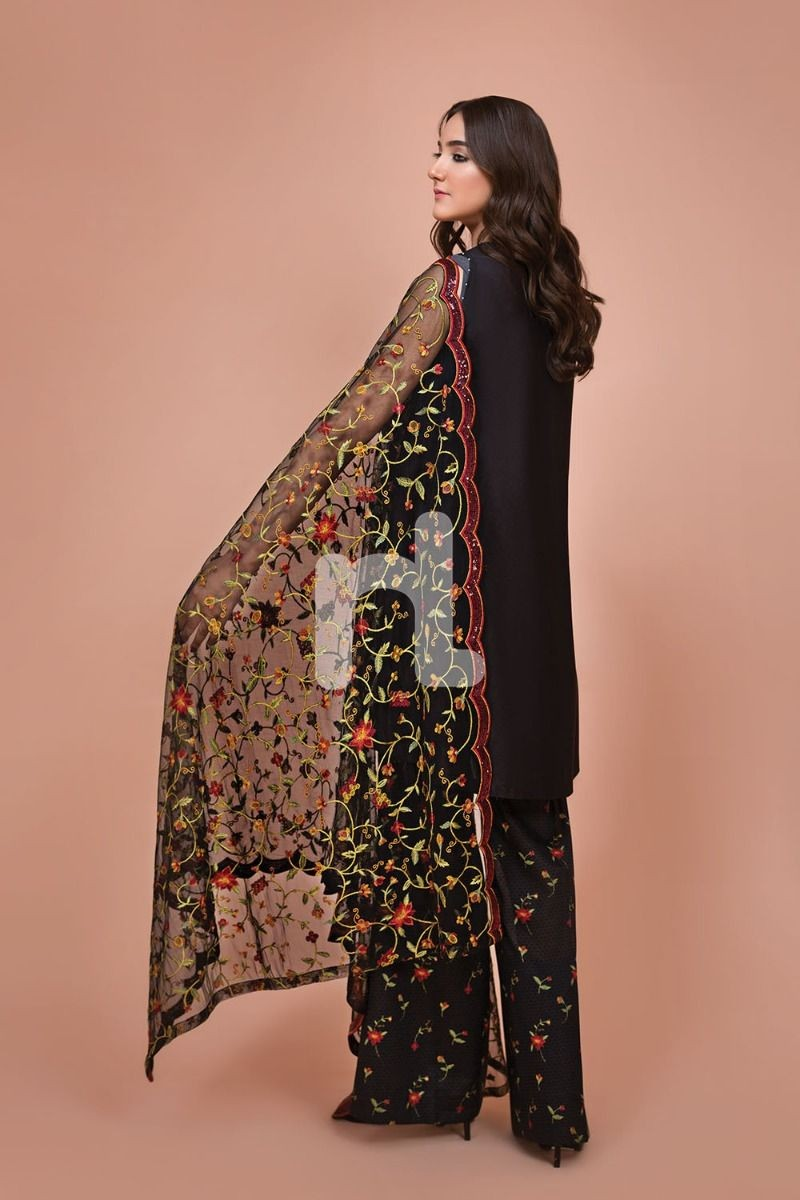 /2019/07/nishat-linen-41907526-net-lawn-cambric-black-digital-printed-embroidered-3pc-image1.jpeg