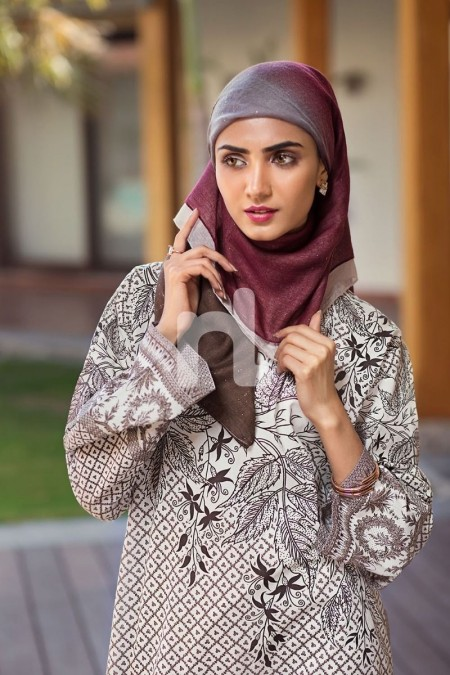 Nishat Linen DS19-60 Off White Digital Printed Stitched Cambric Jalabiya 1PC