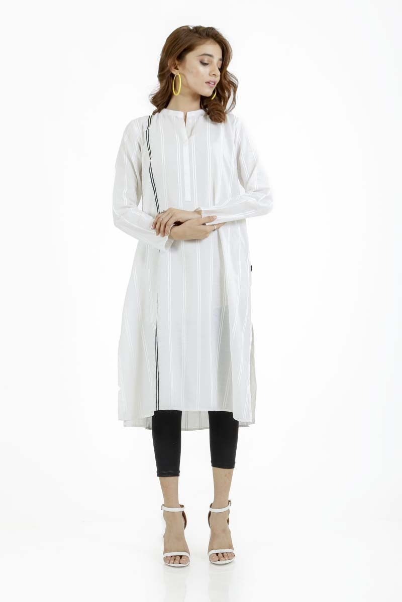 /2019/09/ego-monochrome-collection-odd-one-out--straight-kurta-image1.jpeg