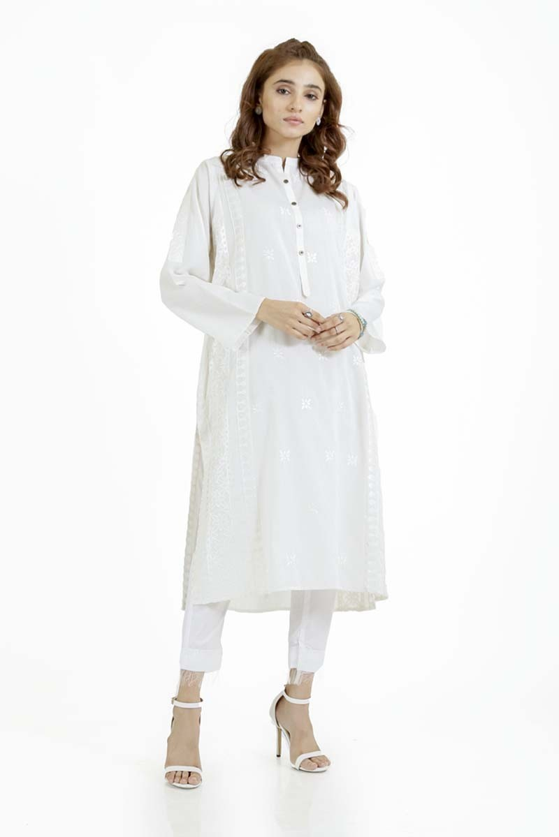 /2019/09/ego-monochrome-collection-wavy--embroidered-kurta-image1.jpeg