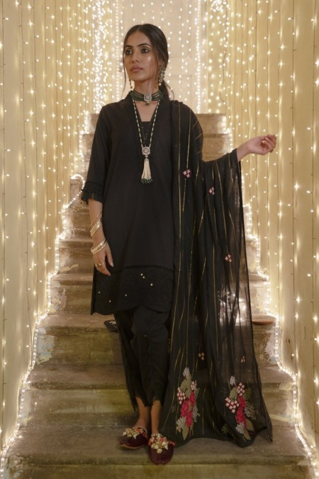 Ethnic by Outfitters Boutique suit (Shirt + Dupatta) WTB391532-10212411-AS-173