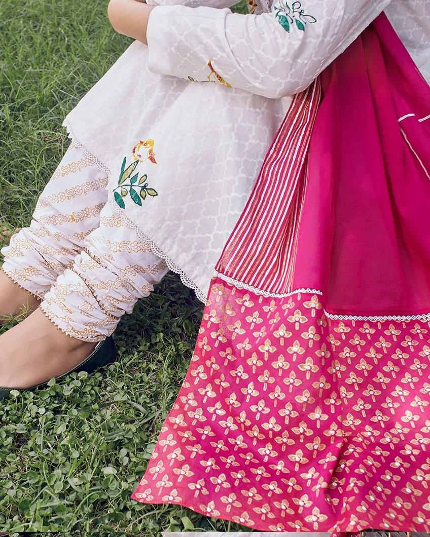 /2019/09/zaha-ethnic-artisan-gold-zrw-19160-image2.jpeg