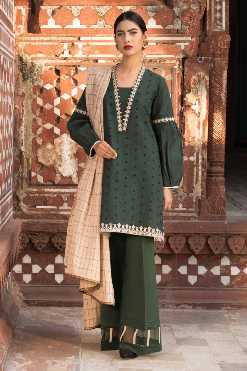 /2019/10/sapphire-winter-19-unstitched-collection-moss-green002dyestm805-image1.jpeg