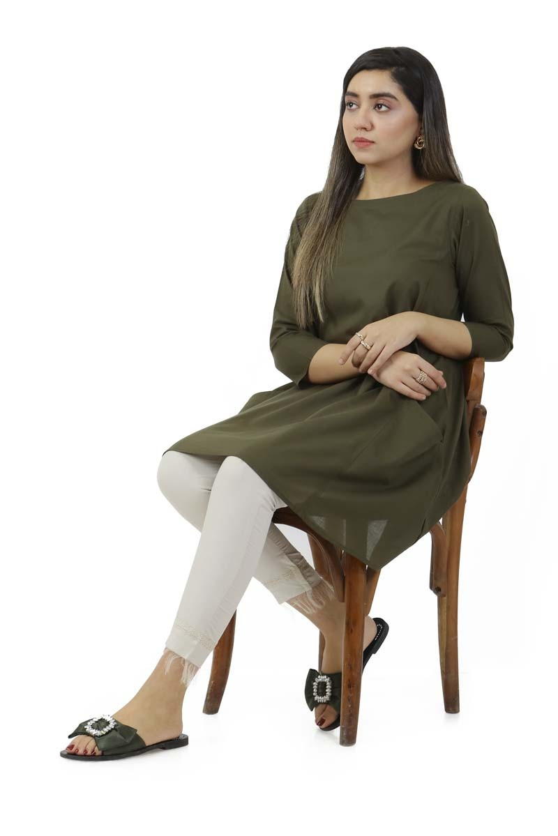 /2019/12/ego-winter19-essentials-off-shoulder-straight-kurta-egn-133-image2.jpeg