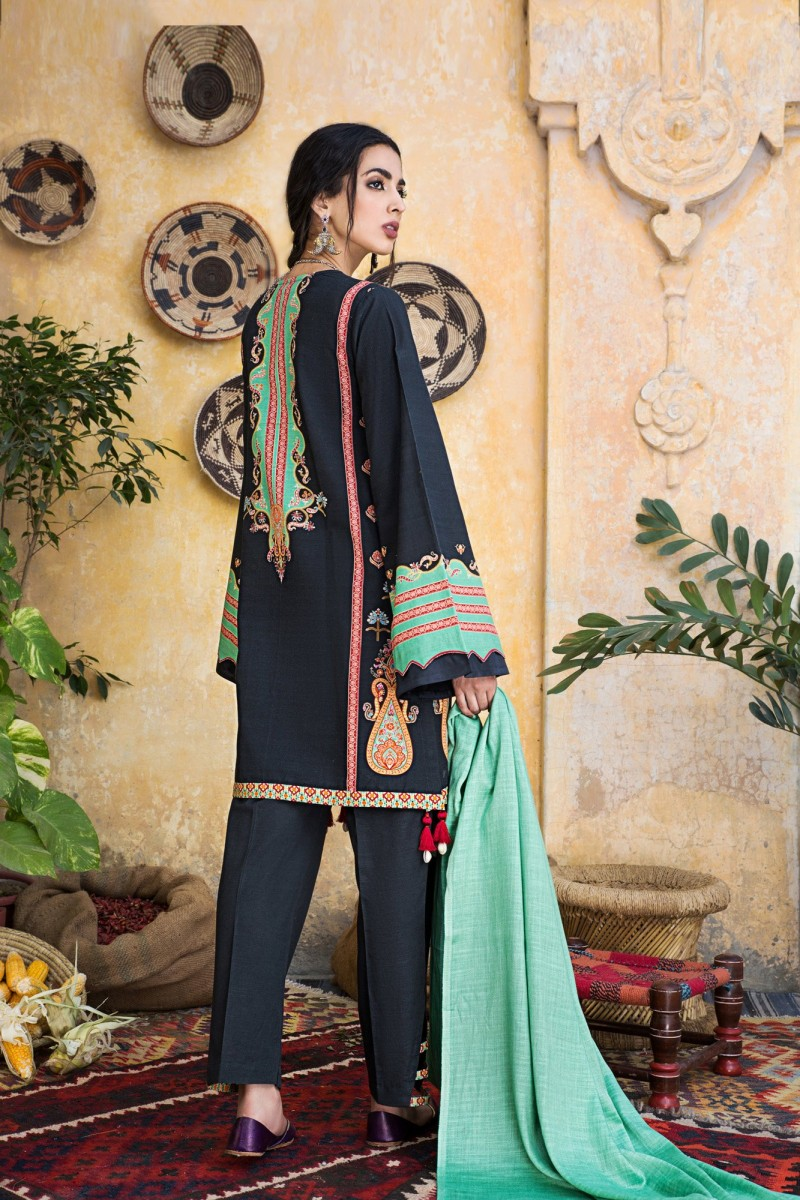 /2019/12/ethnic-by-outfitters-winter-unstitched-collection-platinum-wuc491359-10228665-ws-044-image3.jpeg