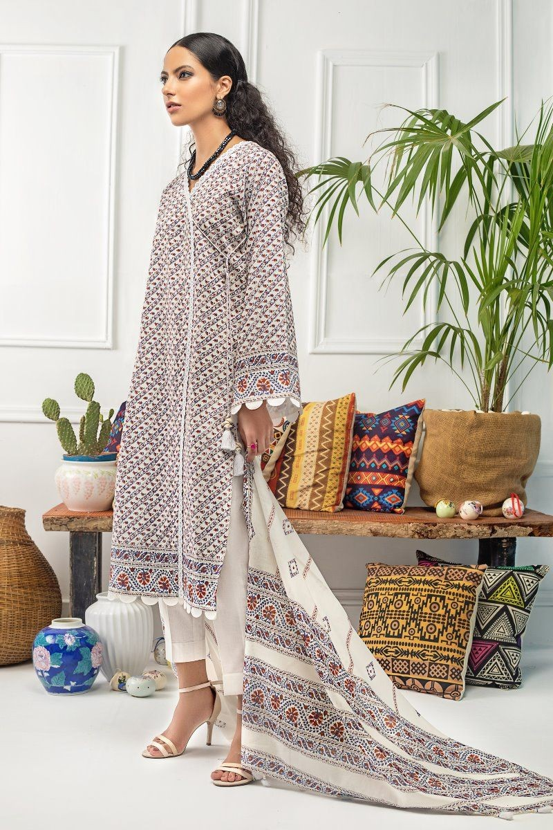 /2020/08/gul-ahmed-mid-summer-collection-2-pc-unstitched-printed-cambric-suit-cnt-04-image2.jpeg