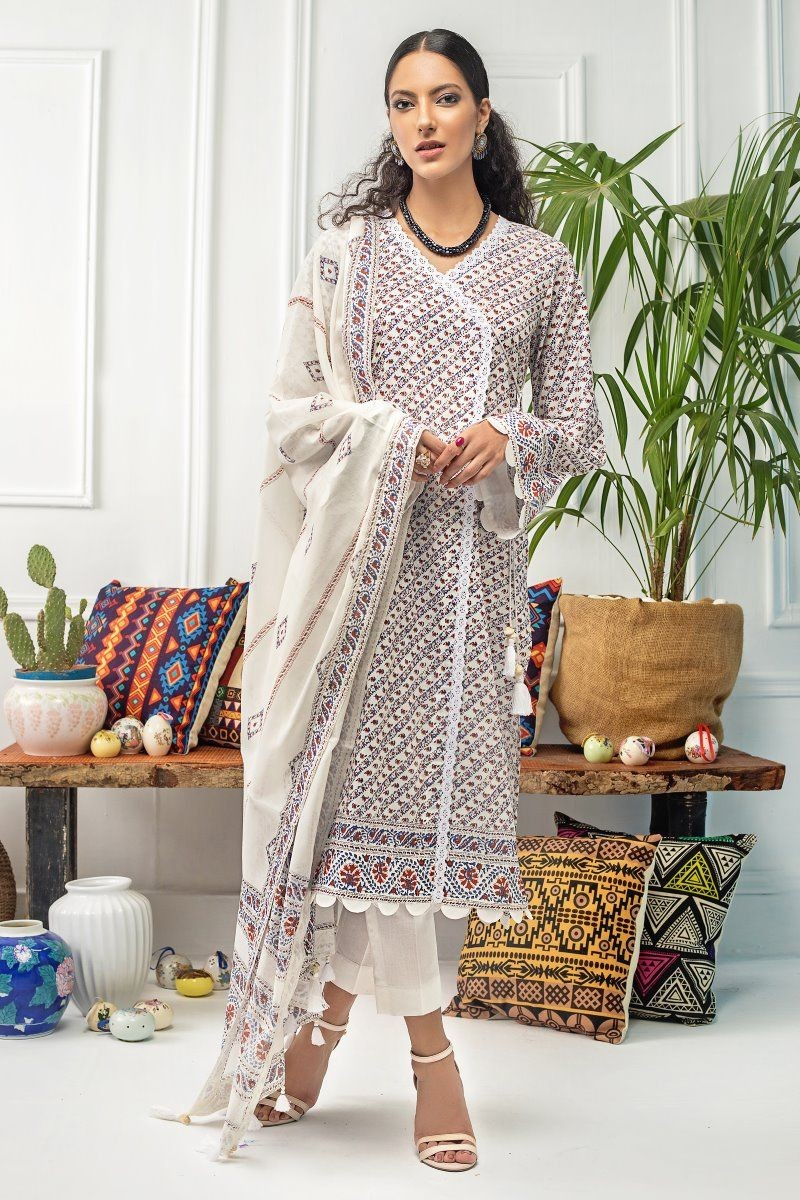 /2020/08/gul-ahmed-mid-summer-collection-2-pc-unstitched-printed-cambric-suit-cnt-04-image3.jpeg
