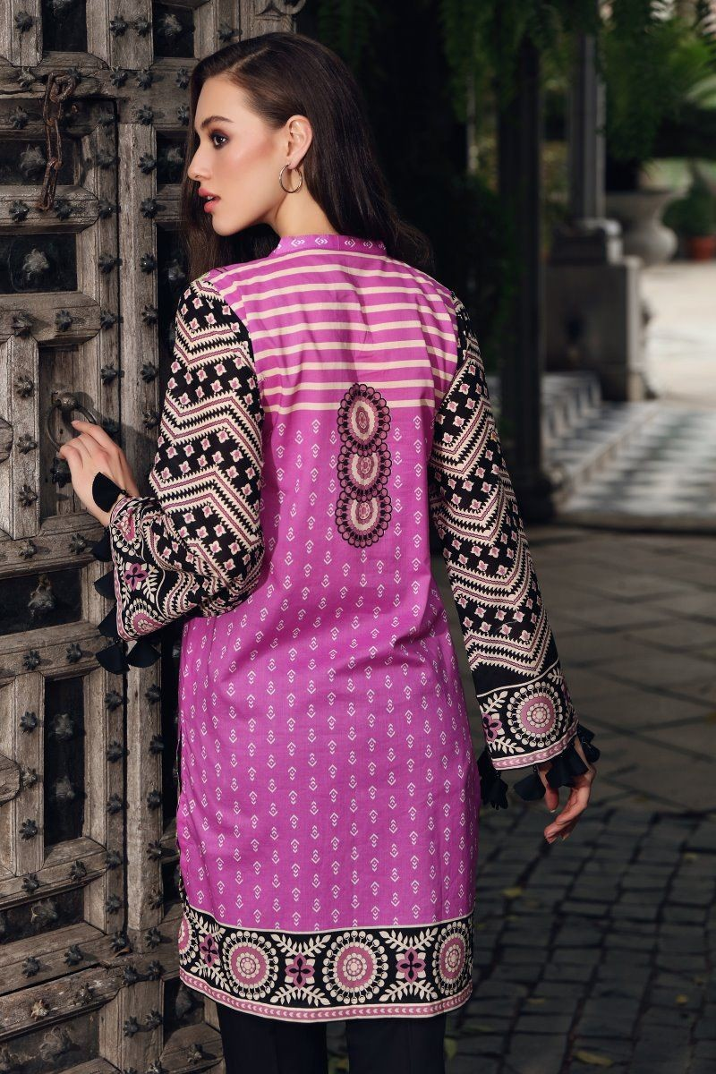 /2020/08/gul-ahmed-mid-summer-collection-cambric-printed-unstitched-shirt-scn-127-b-image3.jpeg