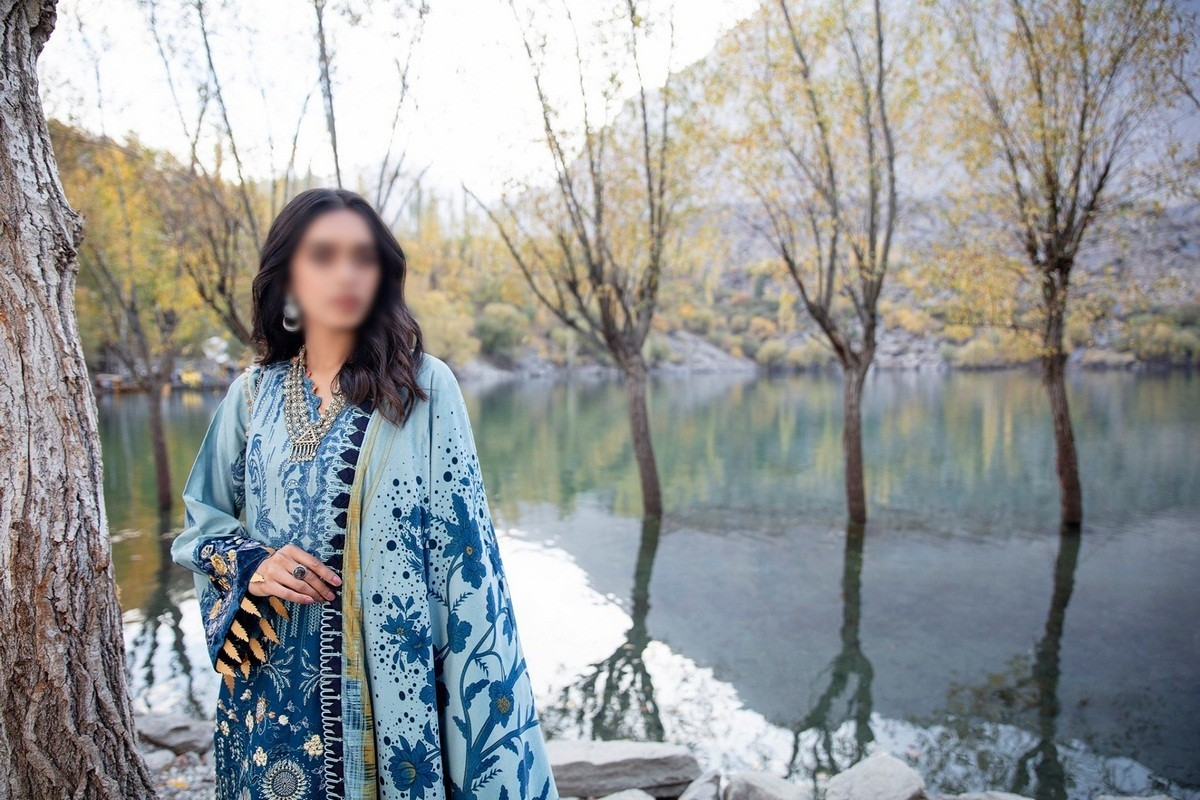 /2021/01/miscellneous-shigar-winter-unstitched-collection'20-d-09-image2.jpeg