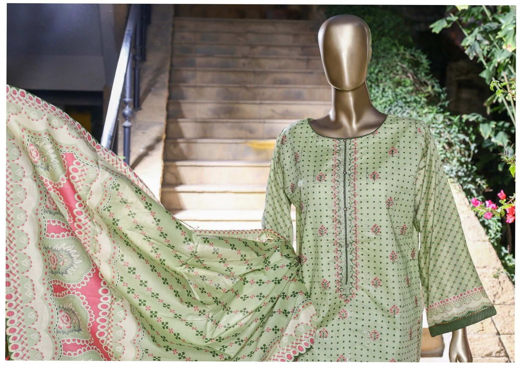 /2021/04/bin-saeed-festive-stitched-embroidered-collection-vol-09-d-fr-502-a-image2.jpeg