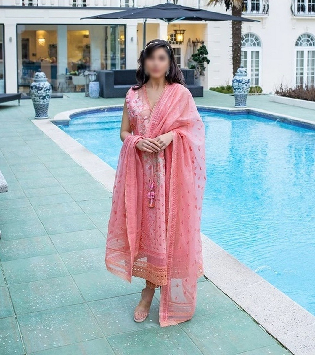 /2021/04/sobia-nazir-unstitched-luxury-lawn21-d-9b-image1.jpeg