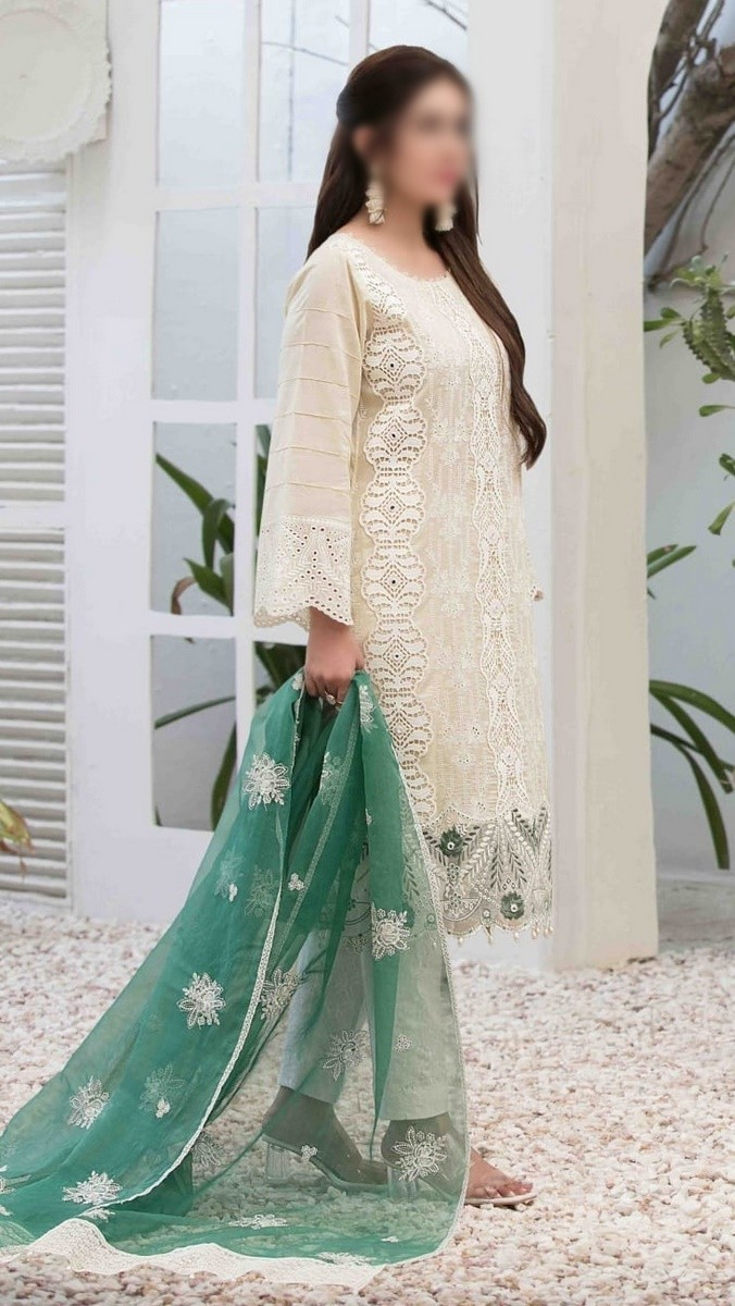 /2021/06/tawakkal-eira-embroidered-fancy-lawn-collection-d-1570-image2.jpeg