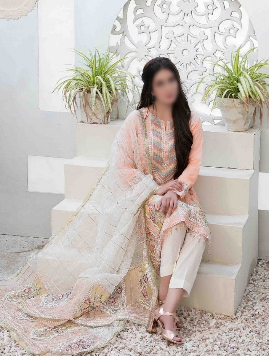 /2021/06/tawakkal-eira-embroidered-fancy-lawn-collection-d-1575-image1.jpeg