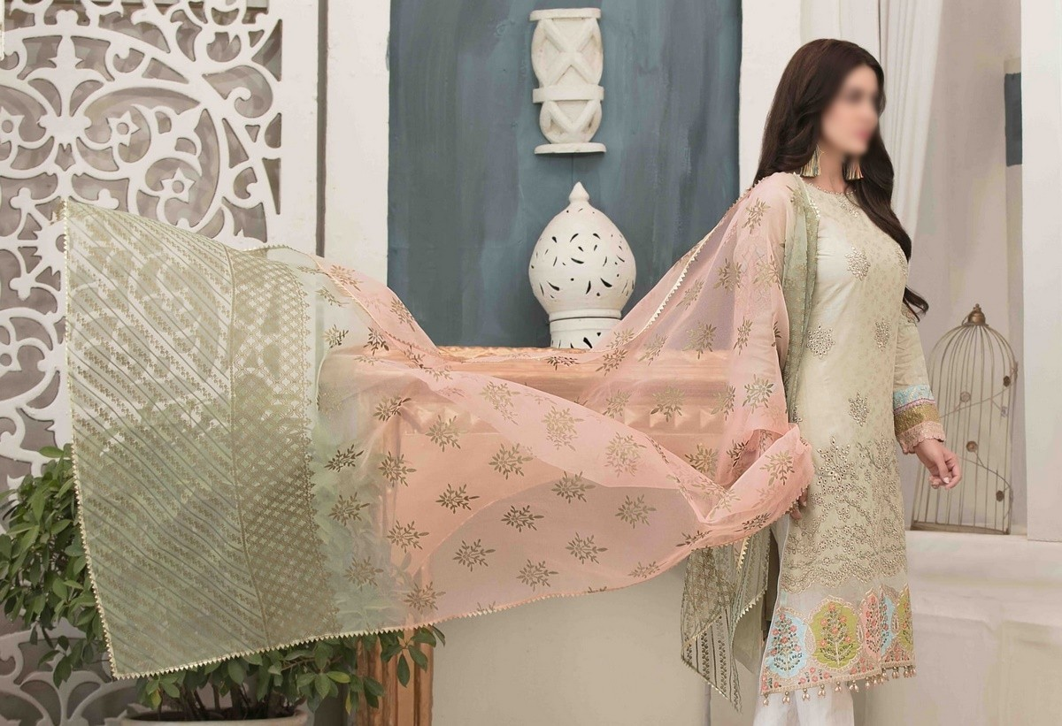 /2021/06/tawakkal-eira-embroidered-fancy-lawn-collection-d-1576-image1.jpeg