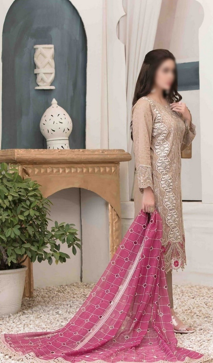 /2021/06/tawakkal-eira-embroidered-fancy-lawn-collection-d-1577-image2.jpeg