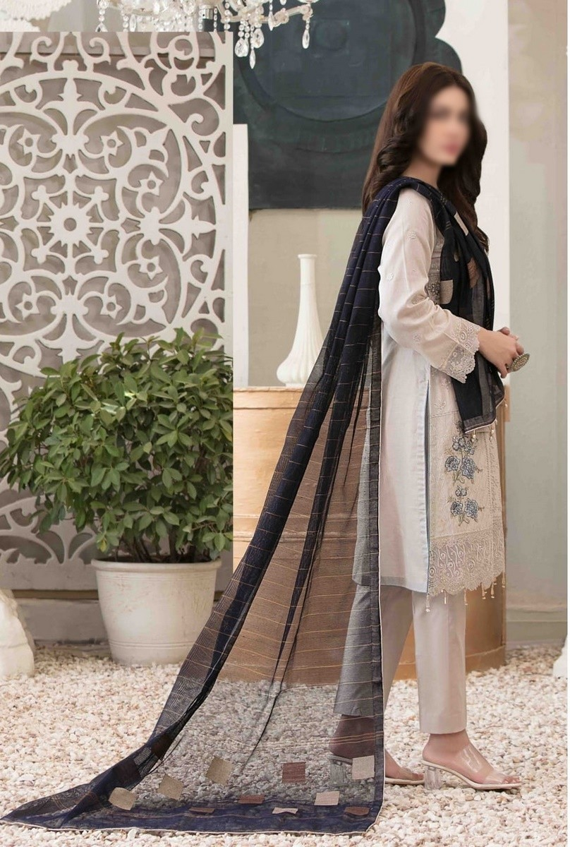 /2021/06/tawakkal-eira-embroidered-fancy-lawn-collection-d-1579-image2.jpeg