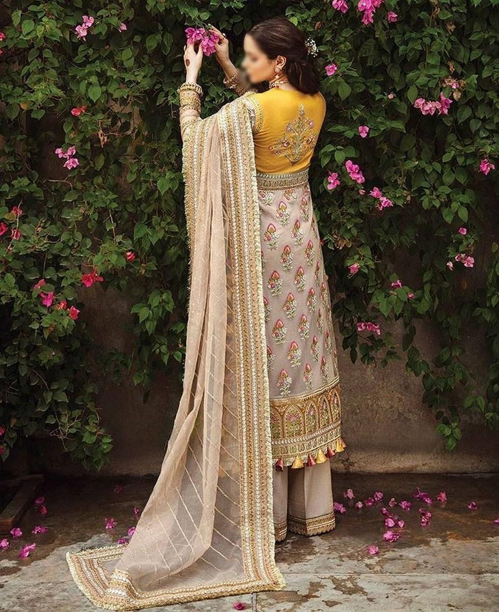 /2021/08/afrozeh-shehnai-wedding-formals'21-d-02-chambeli-image1.jpeg